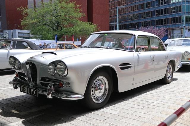Lagonda Rpide sedane 4000.jpg